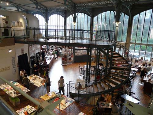 La librairie FMR de la Halle Saint Pierre